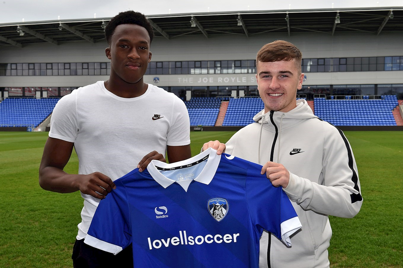 4b881aa961 Oldham Athletic are delighted to announce that youth team products Harry  Robinson and Javid Swaby-Neavin have signed professional contracts with the  club.